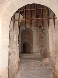 Consuegra castle medieval door